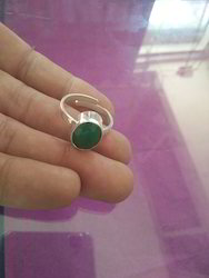 Natural Emerald (Panna ) Gemstone Silver Ring Of 5.25 Ratti
