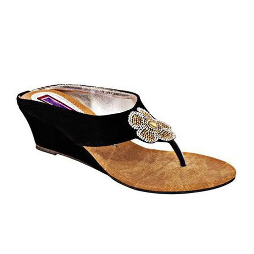 ccbe5b3288c7e2 Casual And Party Wear Artificial Leather And PVC Ladies Designer Sandals