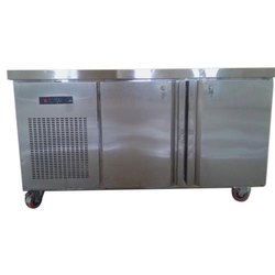 Ryan Silver SS Counter Type Freezer, Capacity: Up to 500L