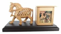 Wooden Horse Pen Stand