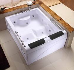 SI018 Massage Bathtub Two Seater