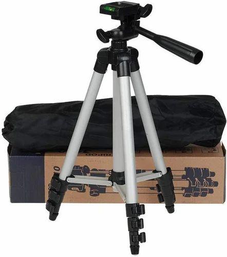 3110 Camera Tripod