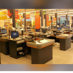 Supermarket Cash Counter