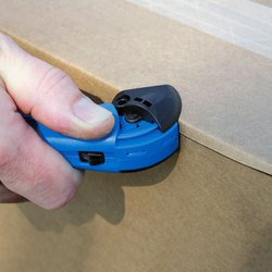 Auto-Locking Safety Hood Utility Knife - GSC3