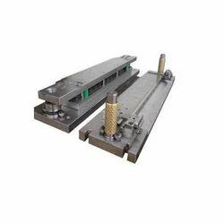 Rectangular Sheet Metal Die, for Industrial, Packaging Type: Box
