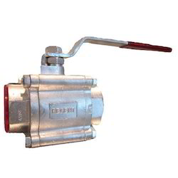 IC 3 Piece Design Screwed End Socket Weld Ball Valve
