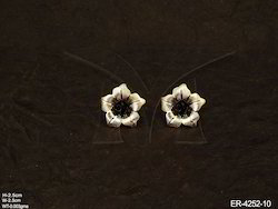 Manek Ratna Kite Shape Fusion Earring, Size: Adjustable