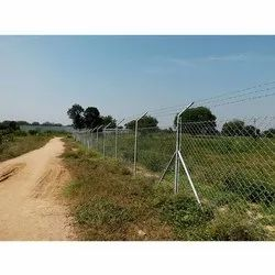 Galvanized Silver Agricultural Chain Link Fencing, Packaging Type: Roll, Material Grade: Ss304