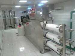 Hospital Fully Automatic 3000 LPH SS Mineral Water Plant