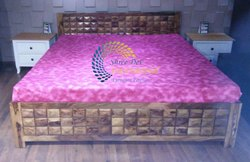 Sheesham Wood Diamand Double Bed With Hydraulic Storage