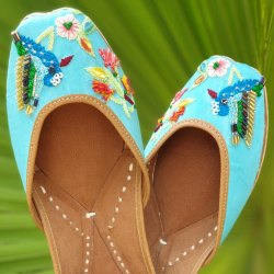 Bird Designer Embroidery Punjabi Jutti