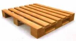 Rectangular 4 Way Industrial Wooden Pallet, Capacity: 1000 Kg