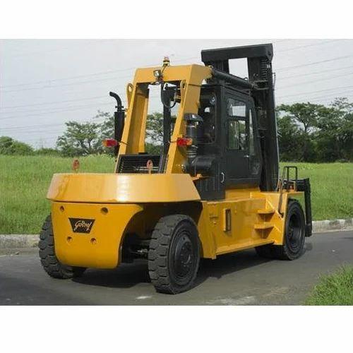 25 Tons Diesel Forklift Rental Service, Capacity: 25 Ton | ID