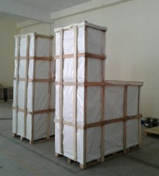 Wooden packing cases with heavy base