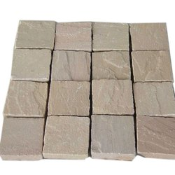 Brown Indian Natural Sandstone Cobble, Thickness: 50- 100 Mm, Size: 10*10 Cm