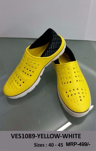 7d80d12088 Men  s Vostro Crocs Shoes