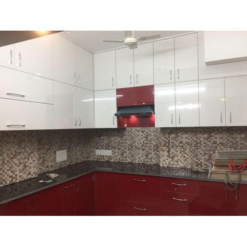 Designer Modular Kitchen At Rs 360 Square Feet: Maroon And White Designer Modular Kitchen, Rs 800 /square