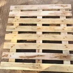 Brown Wooden Pallets, For Industrial, Size: 3.5 X 3.5 Feet