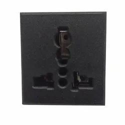 10 Amp Universal Socket