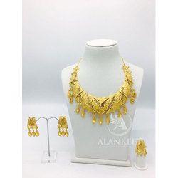 Womens Short Necklace Set