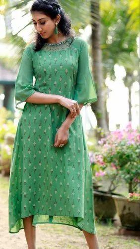Ladies A-Line 3/4th Sleeve Green Round Neck Printed Kurti