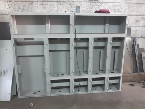 Techno Power Wall Mounted Three Service Panel, For Industrial