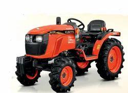 Kubota Neostar B2741 4WD, 27 hp Tractor, 750 kg
