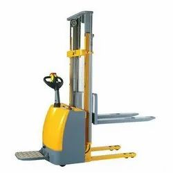 Battery Operated Hydraulic Stackers Rental