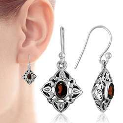 Pearl India International Antique Look 925 Sterling Silver Garnet Earrings, Size: 3 x 1.5 cm, Weight : 3.9 gm