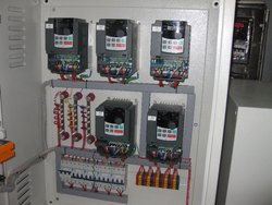 Hitachi SJ700B VFD Panels, For Industrial