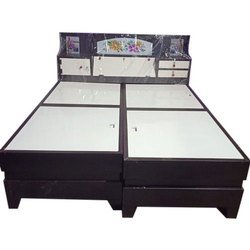 Stainless Steel Brown Metal Iron Double Bed, Size: 6x7 Feet