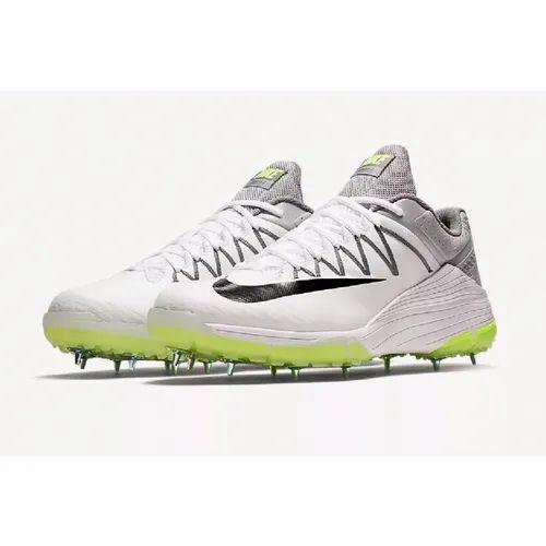 big sale 2ad47 fff91 Boys Nike Lunar Domain 2 Cricket Shoes, Size 11