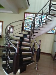 Wooden Baluster Spiral Handrail