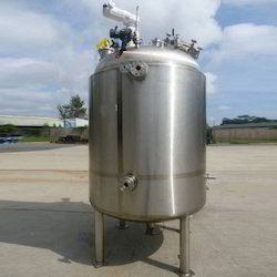 Stainless Steel Agitated Vertical Vessels, Capacity: 1000-10000L