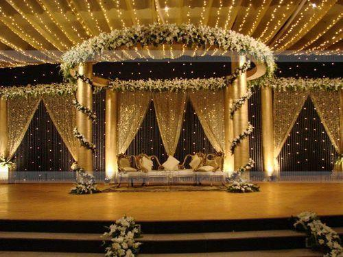 Scintillating Wedding Passage Setup
