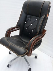 Polyster Stylish Executive Chair
