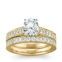 Women Diamond And Gold Rings