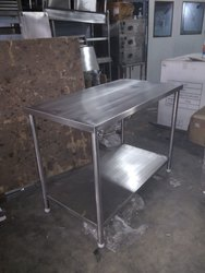 SS WORK TABLE WITH 1UNDERSHELF