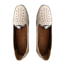 Silvia Casual Wear Ladies PU Shoes, Packaging Type: Box
