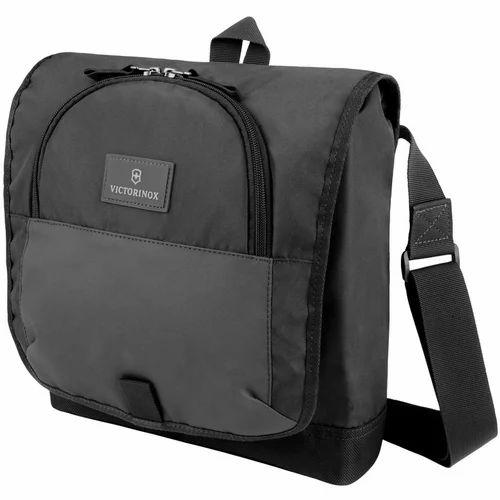 14fe580b5 Victorinox Shoulder Bags - Victorinox 32388601 290 mm Black Altmont ...