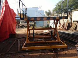 DC Operated Scissor Lift