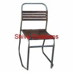 Metal Standard Restaurant Chair, Seating Capacity: 1