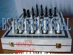 BSR-29 Black & White Horn Bone Chess Set, Packaging Type: Box