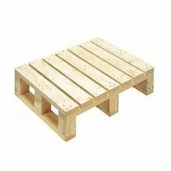 Square Brown Pinewood Wooden Pallet, Capacity: 1.5 Ton, Size: 44x44 Inch