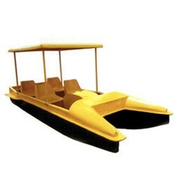 4 Seater Roof Paddle Boat