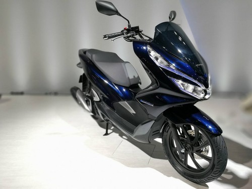 Blue Honda Pcx Hybrid Electric Scooter Rs 50000 Piece