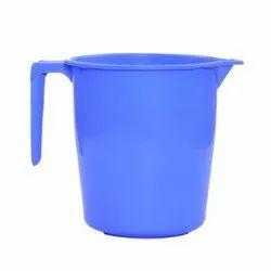 普通的蓝色塑料杯,适合浴室