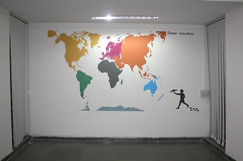 Wall Decoration Acrylic Oil Base World Map Wall Art Size 12 X 9 Rs 250 Square Feet Id 21104505462