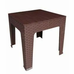 Square Plastic Table, Weight: 3 To 8 Kg