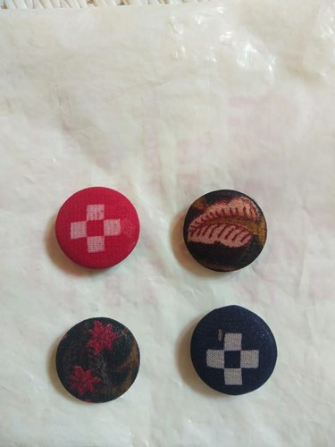 Metal Round Aadhrshini Fabric Buttons For Fancy Dresses, For Garments